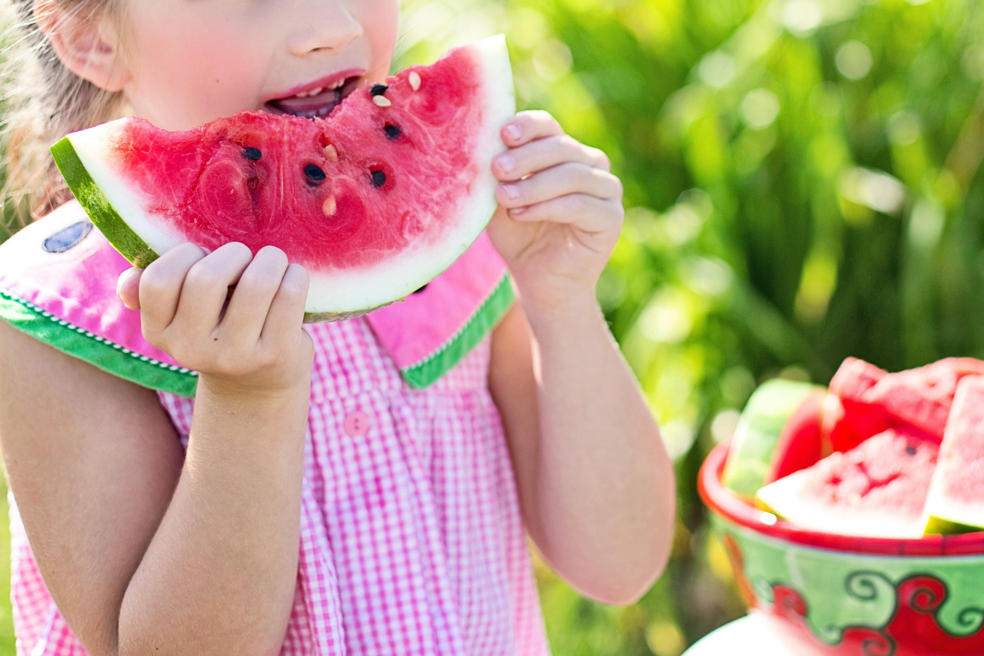 child-eating-food-35545
